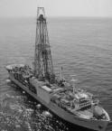Le navire de forage JOIDES Revolution va peut-être permettre de comprendre le fonctionnement du stockage de CO2 par l'océan. © ODP (Wikimédia Commons)