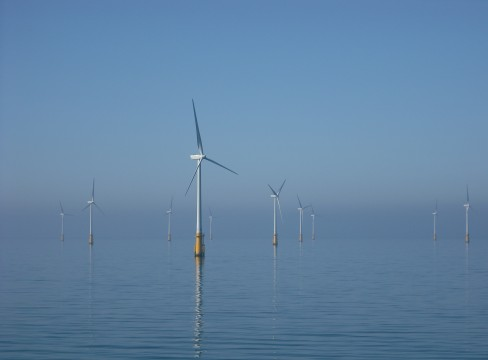 Des éoliennes offshore