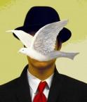 """Inspiré de """"L'homme au chapeau melon"""" de René Magritte. © Sontra (Flickr.com)"""