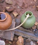 Un purificateur d'eau solaire pourrait résoudre le problème d'accès à l'eau potable en Inde. ©Sustainable Sanitation (Flickr)