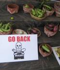 Pancarte anti-Monsanto sur un marché indien