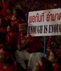 """Les """"chemises rouges"""" en Thailande."""