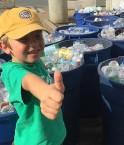 ryan-hickman-enfant-recycle-200000-bouteilles-une